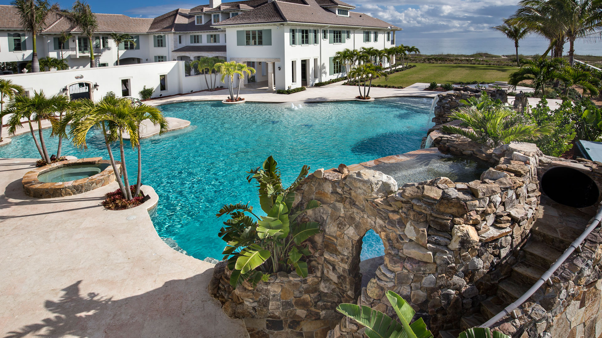 Beach Entry & Tropical Pools - pool-builder-jupiter