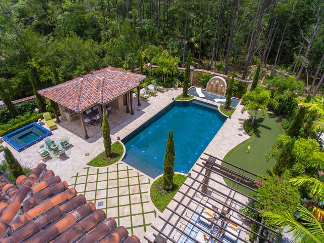 Traditional Pool & Spa with Custom Fountains and Patio Design & Putting Green